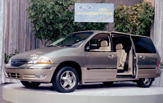 ford recalls 27 000 windstar vans for axle problems. Black Bedroom Furniture Sets. Home Design Ideas