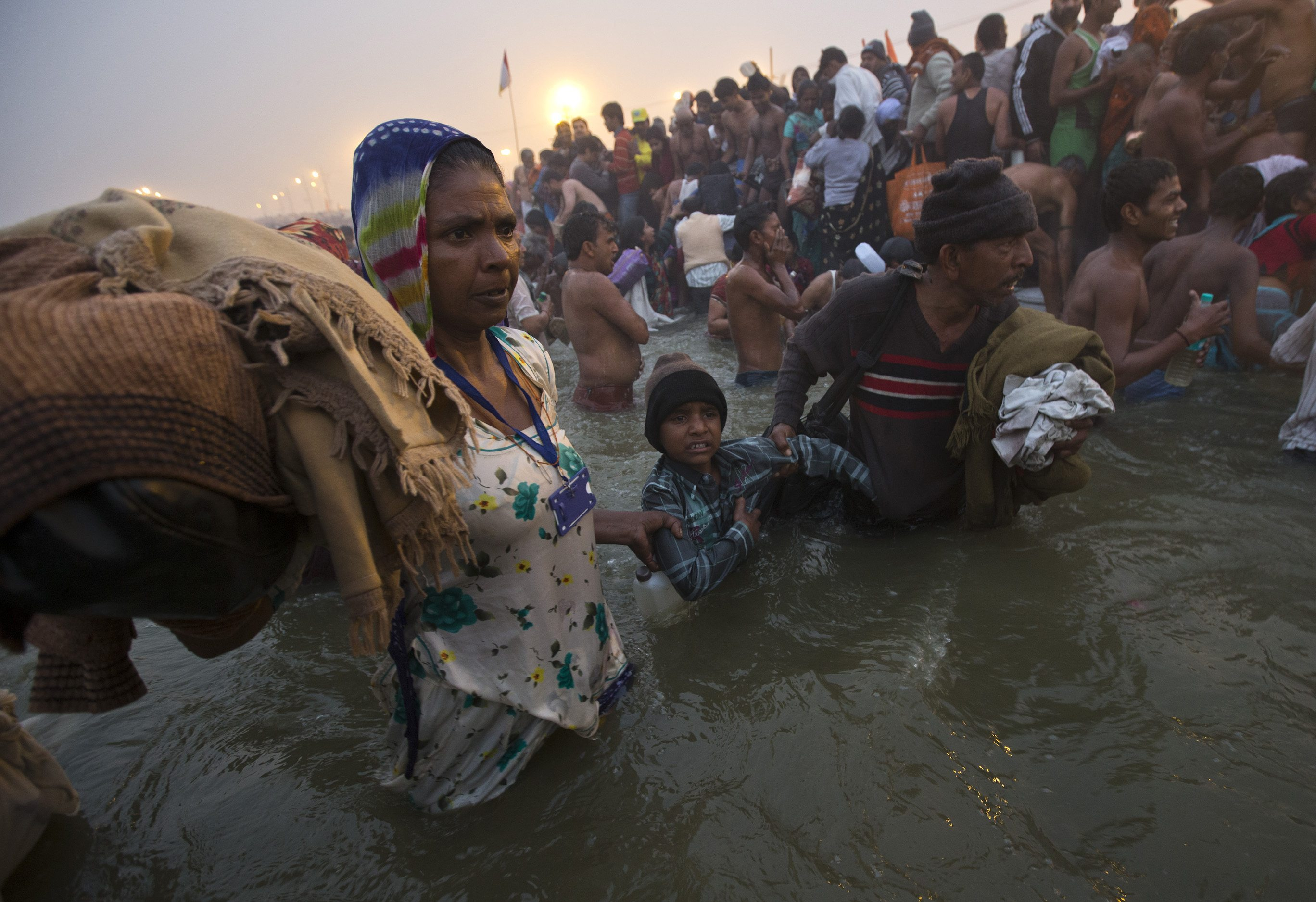 maha kumbh mela scores of pilgrims go missing lost and maha kumbh mela 2013 scores of pilgrims go missing lost and found centers flooded requests to locate missing devotees