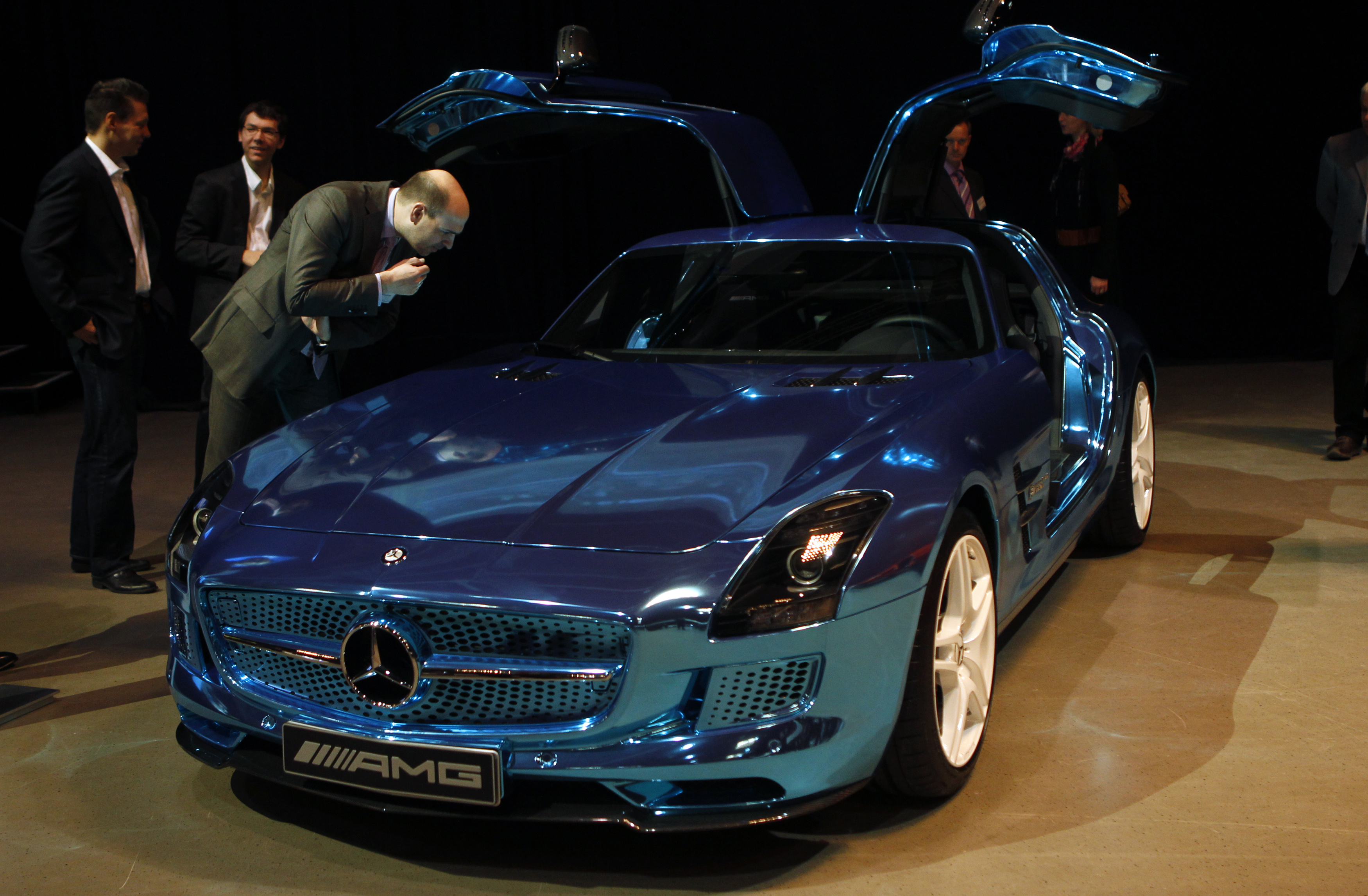 Luxury car maker mercedes benz had a good month in europe for Mercedes benz maker
