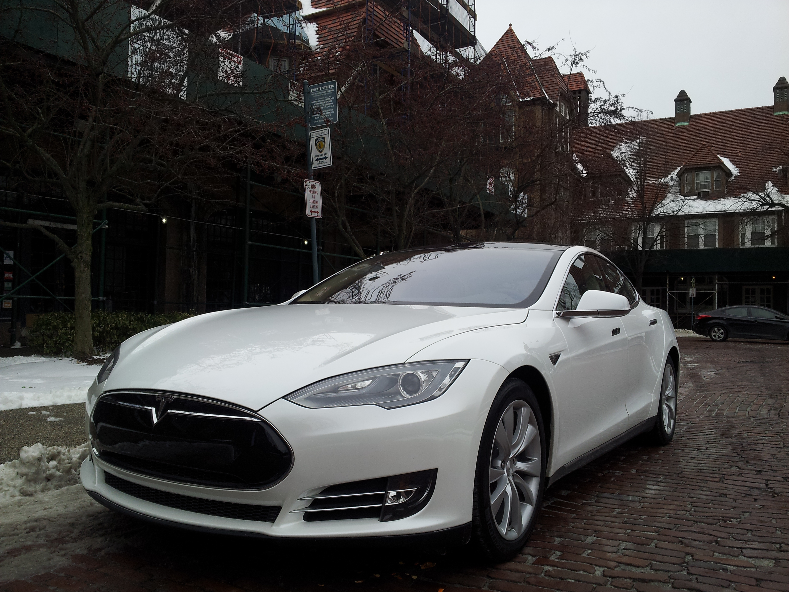 Tesla Model S Road Test What It S Really Like To Drive