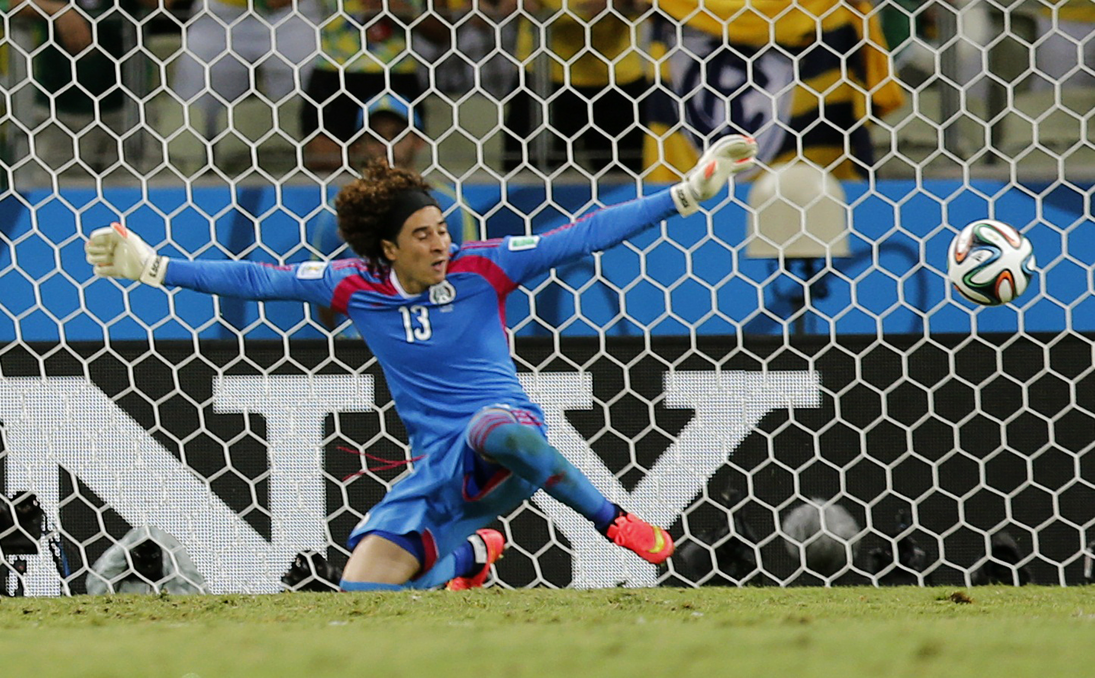 Guillermo ochoa 5 things to know about the mexico - Guillermo ochoa wallpaper ...