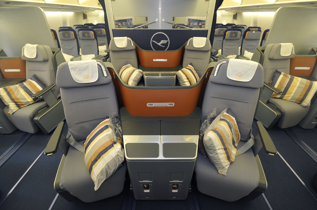lufthansa boeing 747 8 business class sitzplan wroc awski informator internetowy wroc aw. Black Bedroom Furniture Sets. Home Design Ideas
