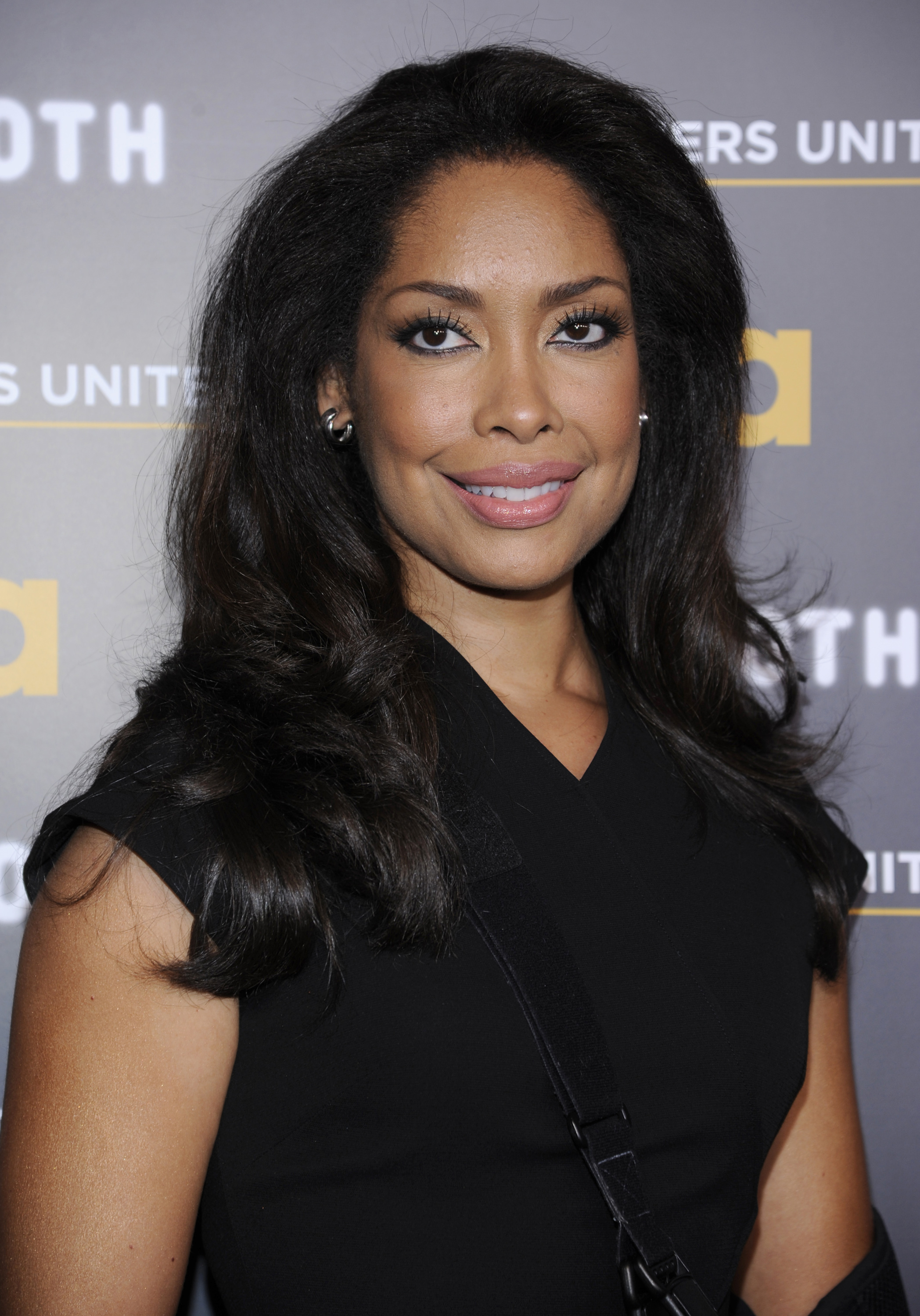 �revenge� season 4 spoilers gina torres cast as hampton
