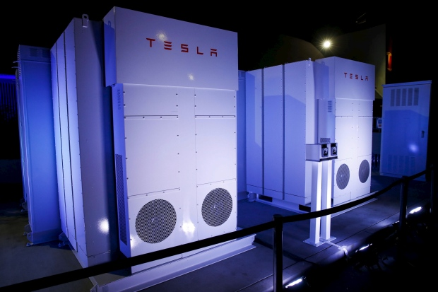 Tesla Motors Ceo Elon Musk Powerwall Daily Home Battery