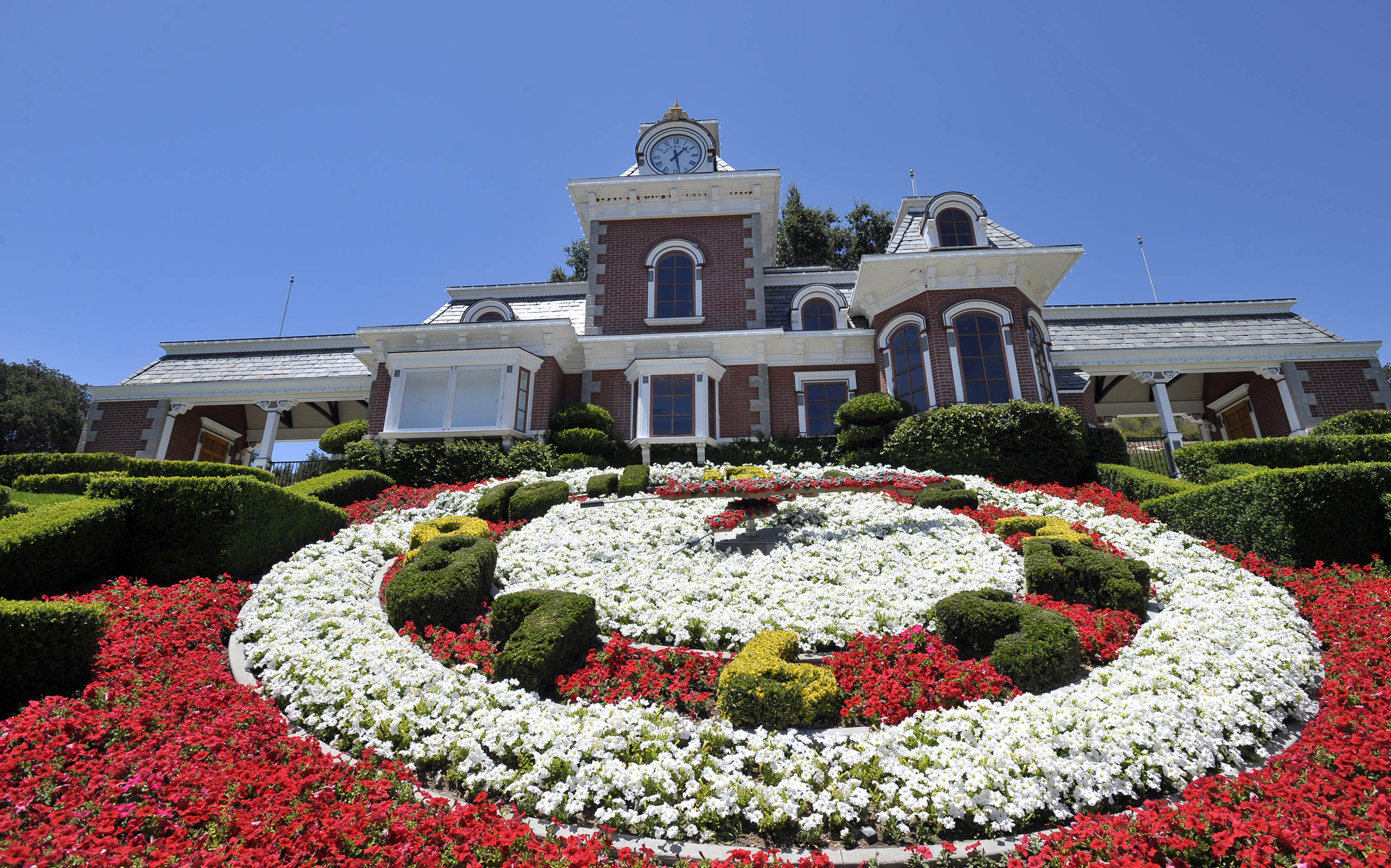 Neverland Ranch For Sale Photos Of The Craziest And Most