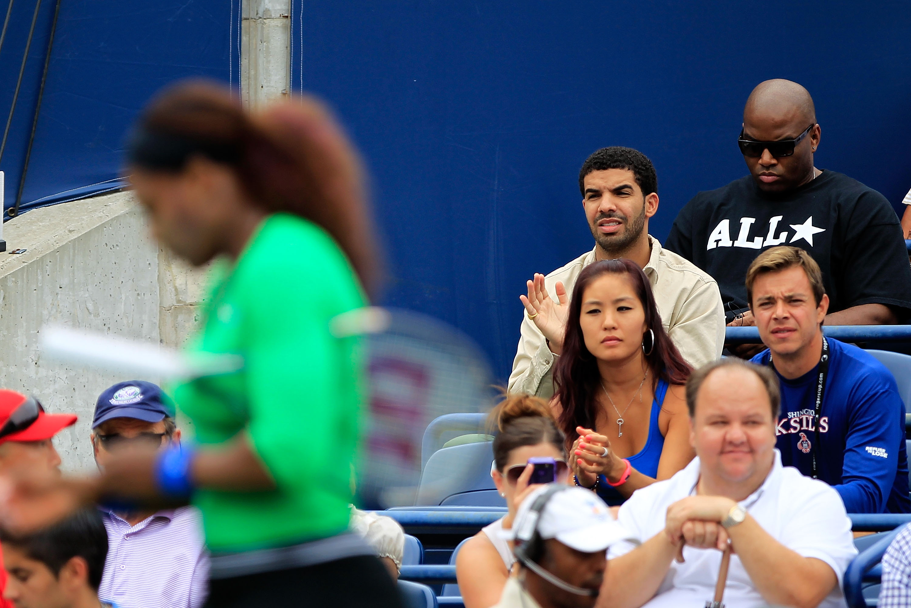 are drake and serena williams dating
