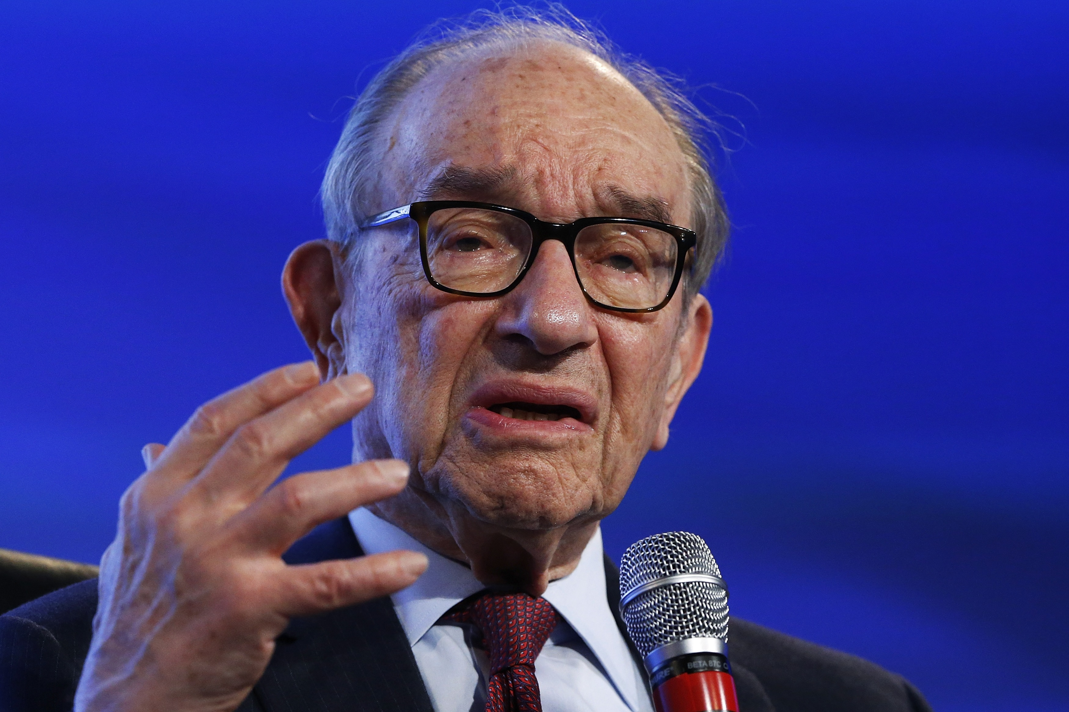 Alan Greenspan: Global Economy Running Toward 'State of Disaster'