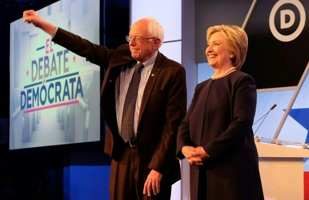What Color Is Bernie Sanders' Suit? Brown vs. Blue #DressGate ...