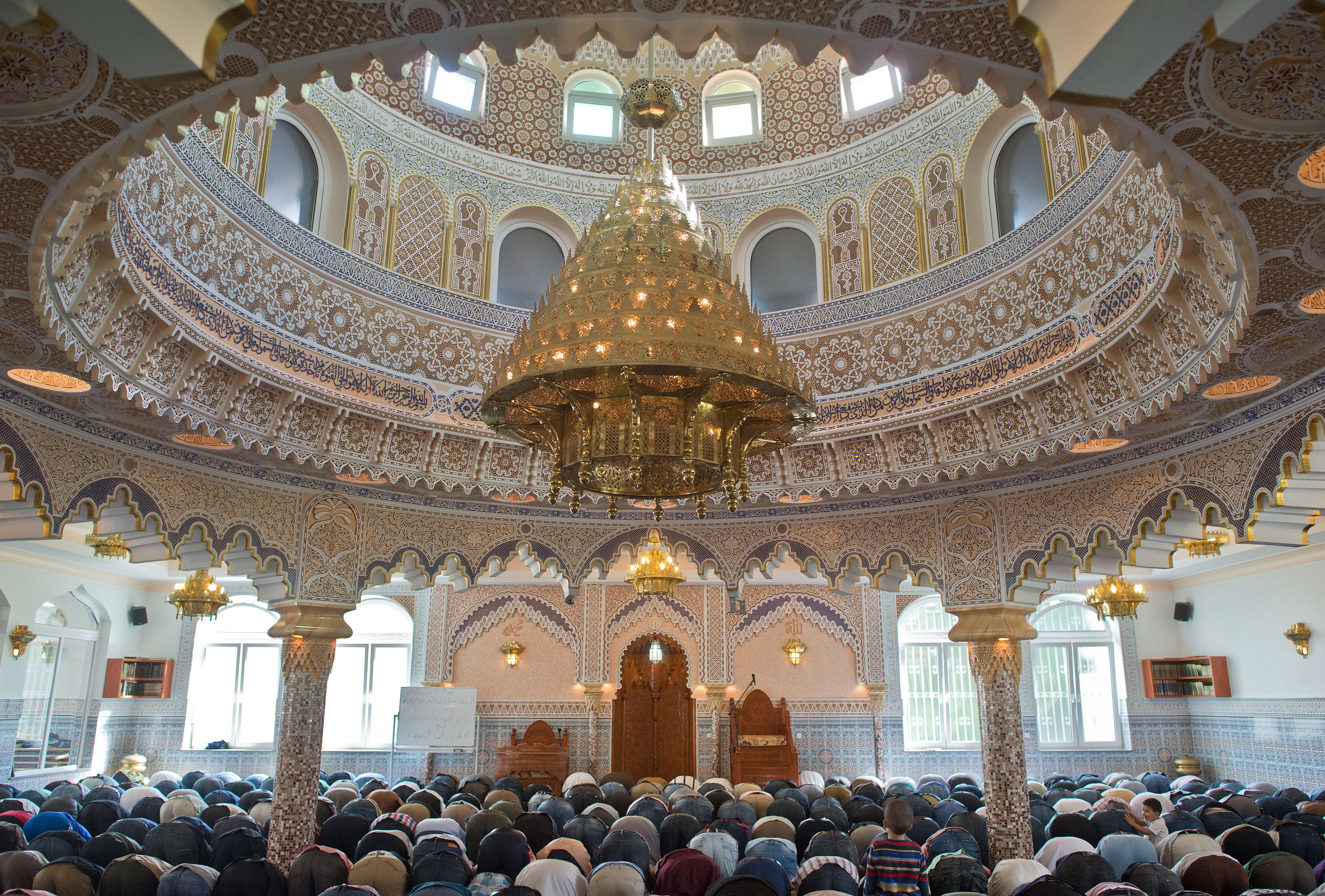 German Muslim Mosque Controversy: Christian Leaders Fight