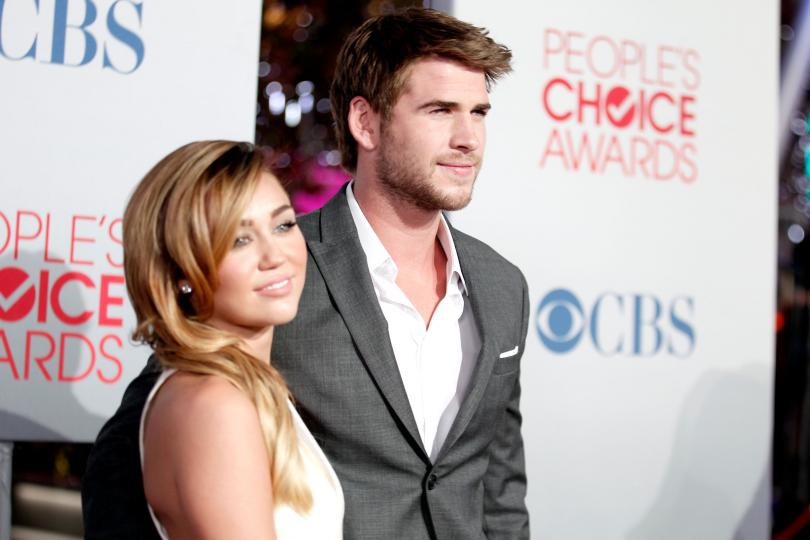 Miley Cyrus, Liam Hemsworth Wedding Pushed To 2017 ...