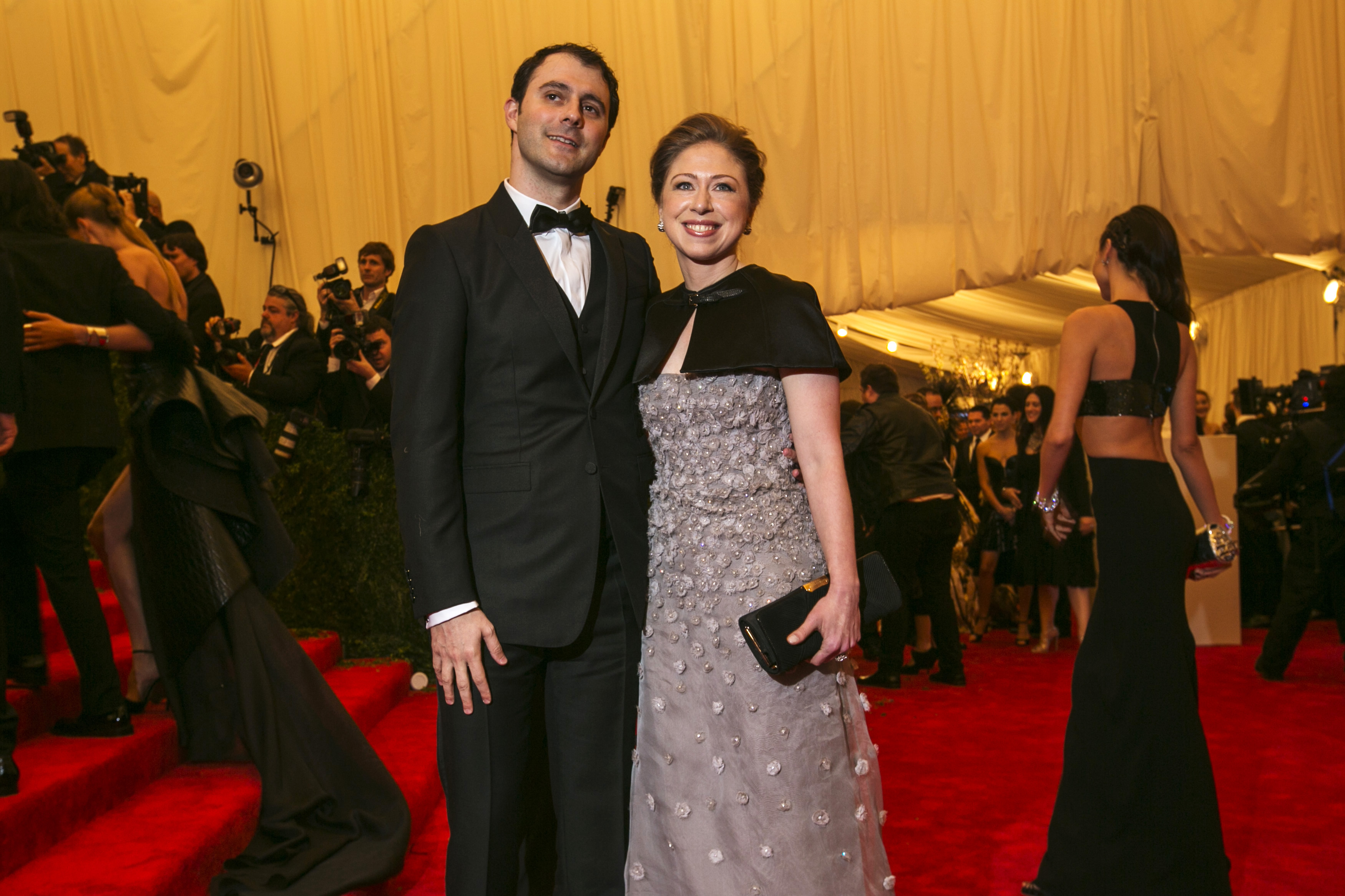 Marc Mezvinsky with wife�Chelsea Clinton in an event