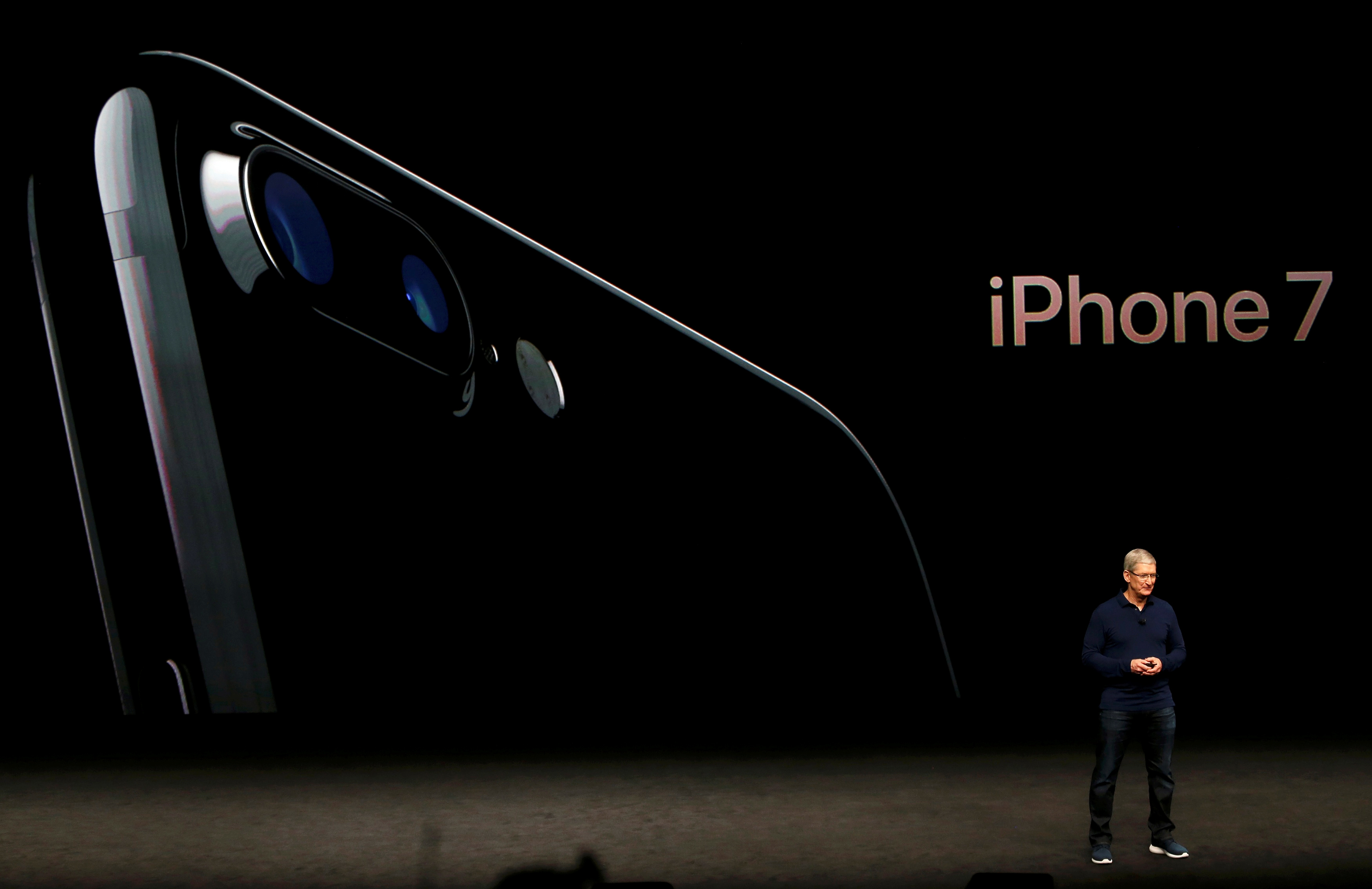 iPhone 7 AirPods Cost: Price Of Wireless Headphones And