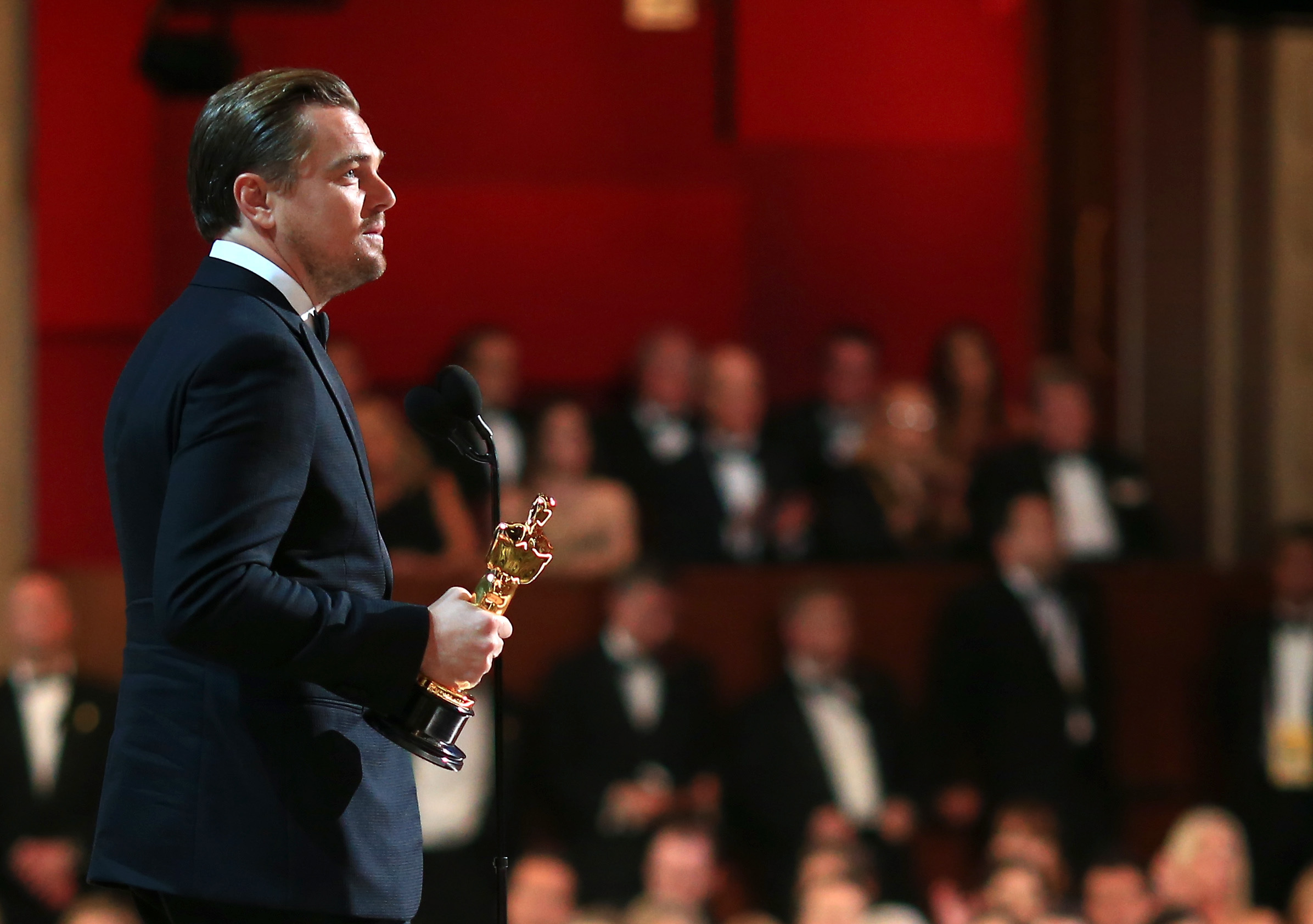The 2019 Oscars will go on without a host, and just a lot ...