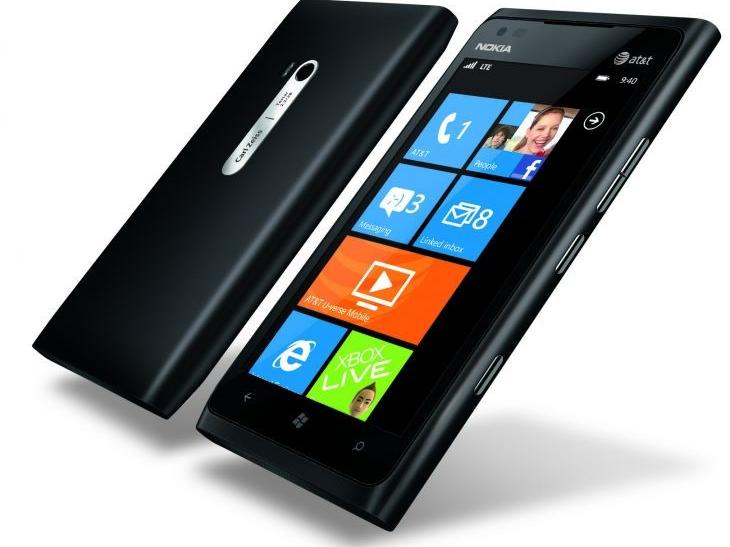 #1 Design - Nokia Lumia 900 April Release: Windows Phone Flagship to Get Windows 8 Update?