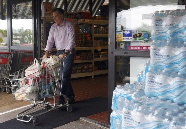 Mitt Romney Goes Shopping