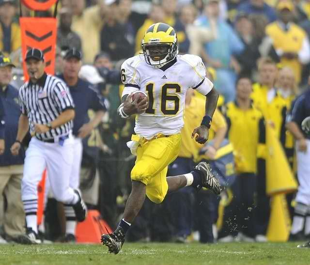 Denard Robinson: Can Shoelaces Run his Way to the Heisman Trophy?