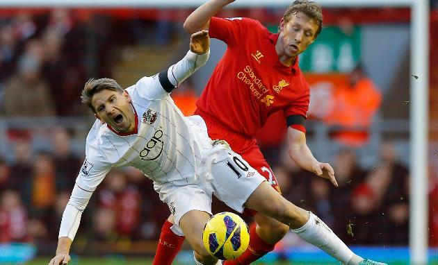 Arsenal News: Lucas Leiva Is Rafa's Gift That Keeps On Giving