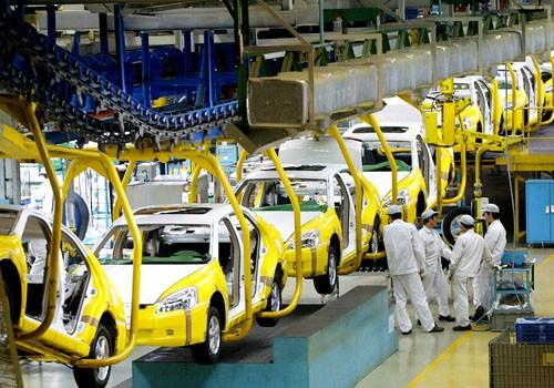 Chinese work at Honda Motor production plant in Guangzhou