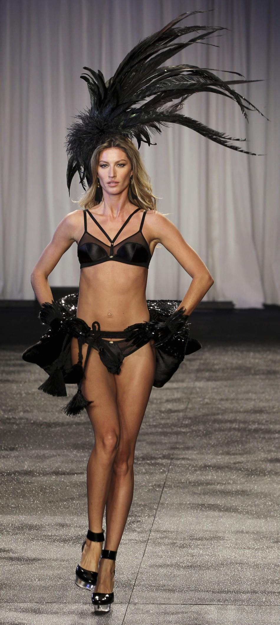 World's top 10 highest paid female models of 2011 - number 1.