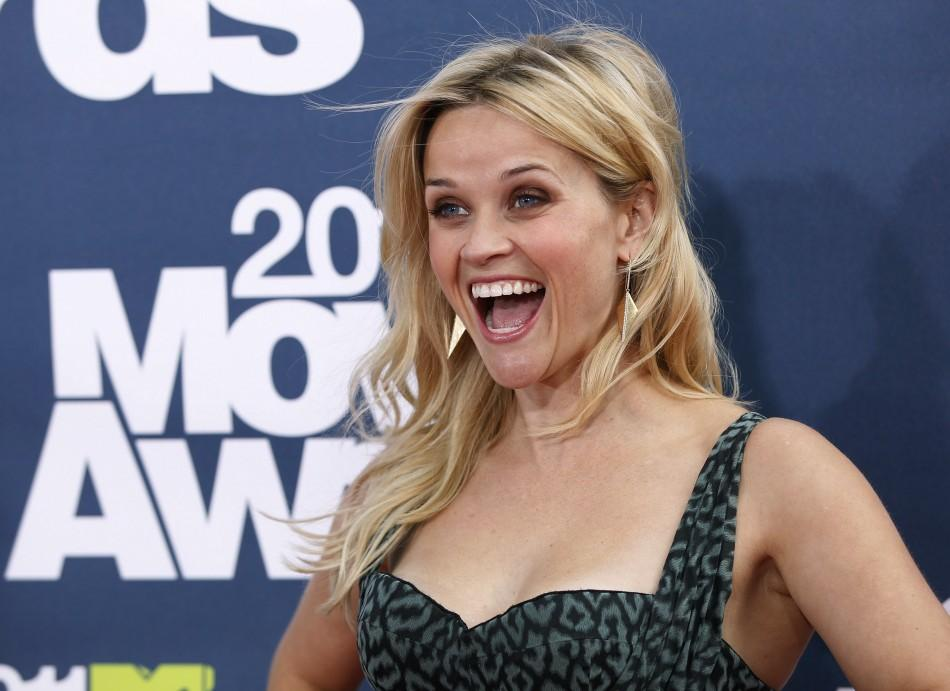 Actress Reese Witherspoon arrives at the 2011 MTV Movie Awards in Los Angeles June 5, 2011.
