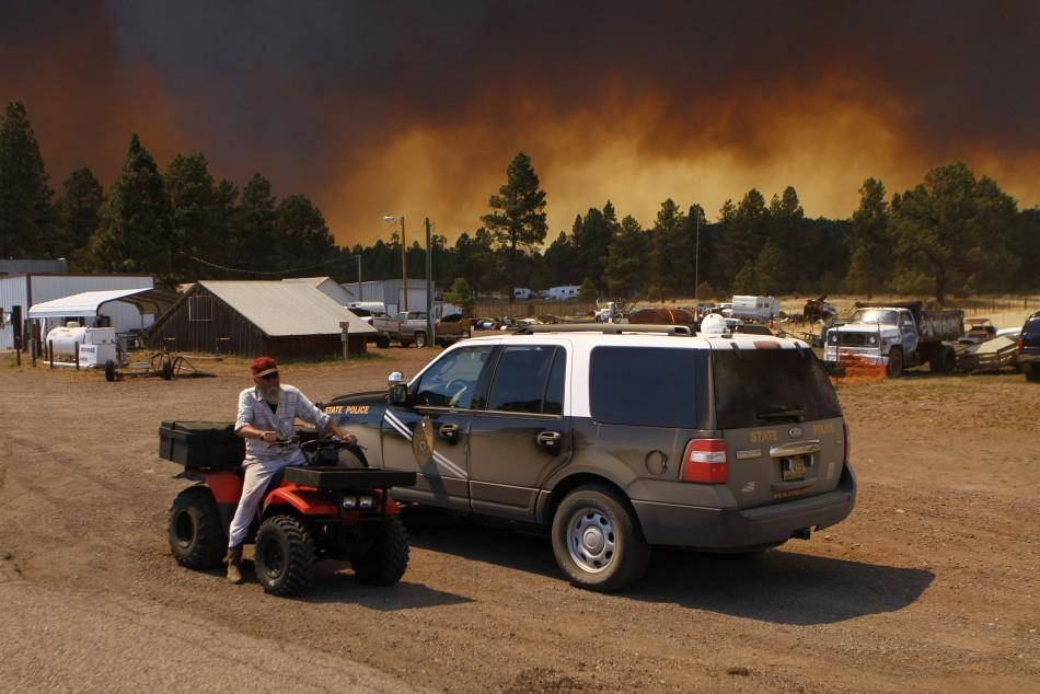 Arizona forest fire expands to 350 square miles