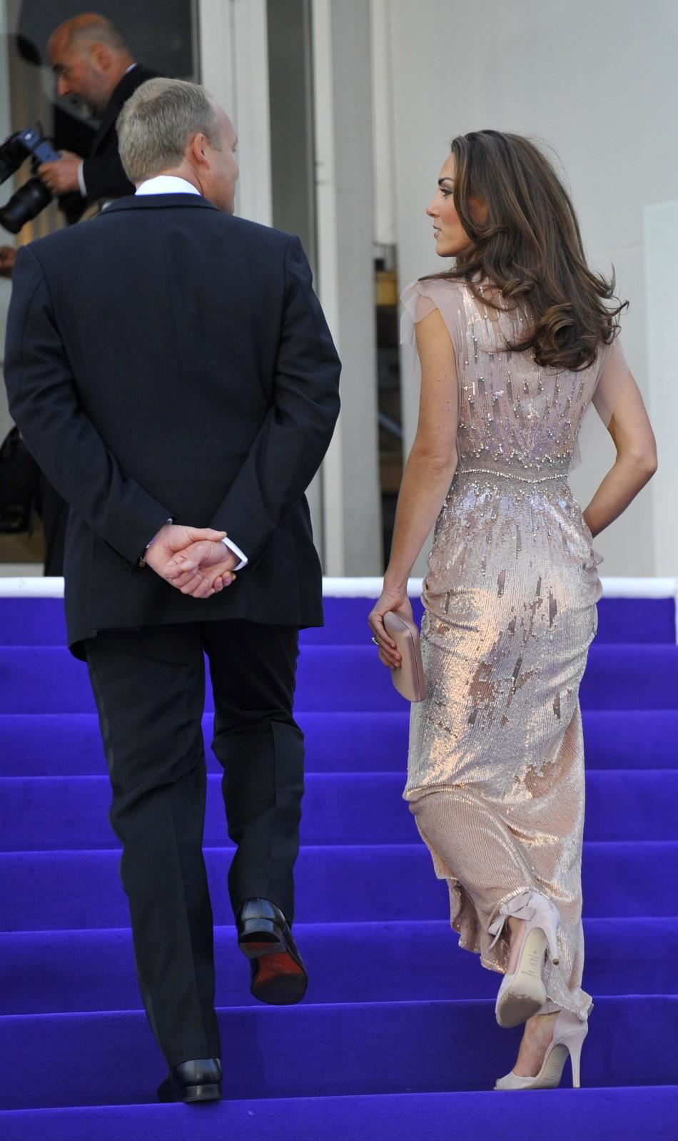 Stunningly dressed Kate Middleton steals the show at a charity gala