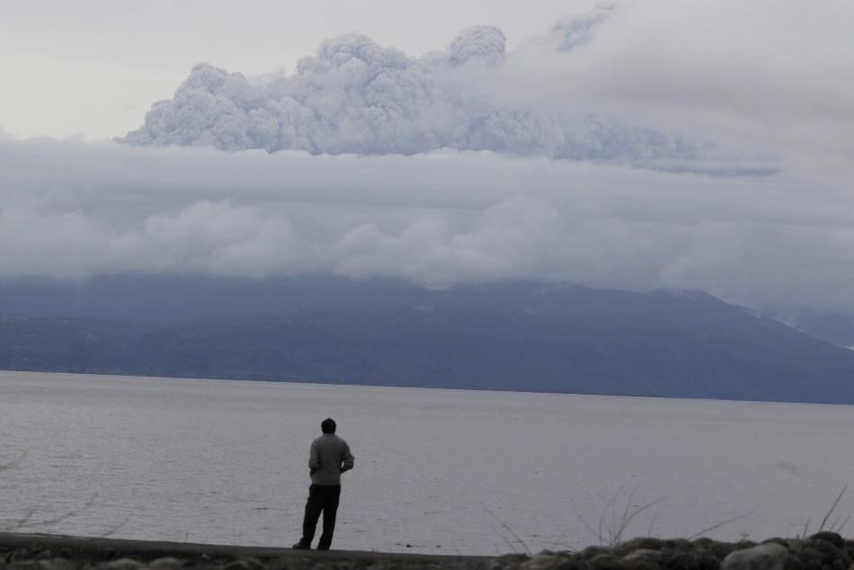 Volcanic Ash cloud extends flight cut