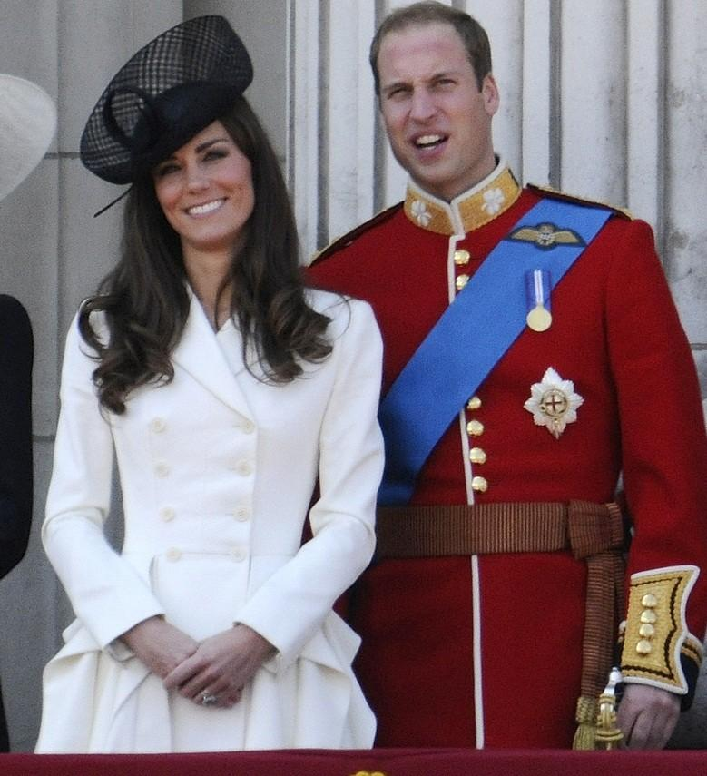 Stunning Kate Middleton celebrates 'Trooping the Colour' in regal style.