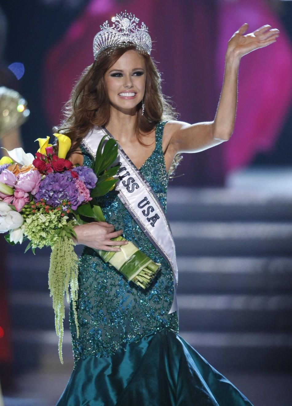 Miss California Alyssa Campanella waves after being crowned Miss USA 2011 during the Miss USA pageant in the Theatre for the Performing Arts at Planet Hollywood Hotel and Casino in Las Vegas, Nevada June 19, 2011.