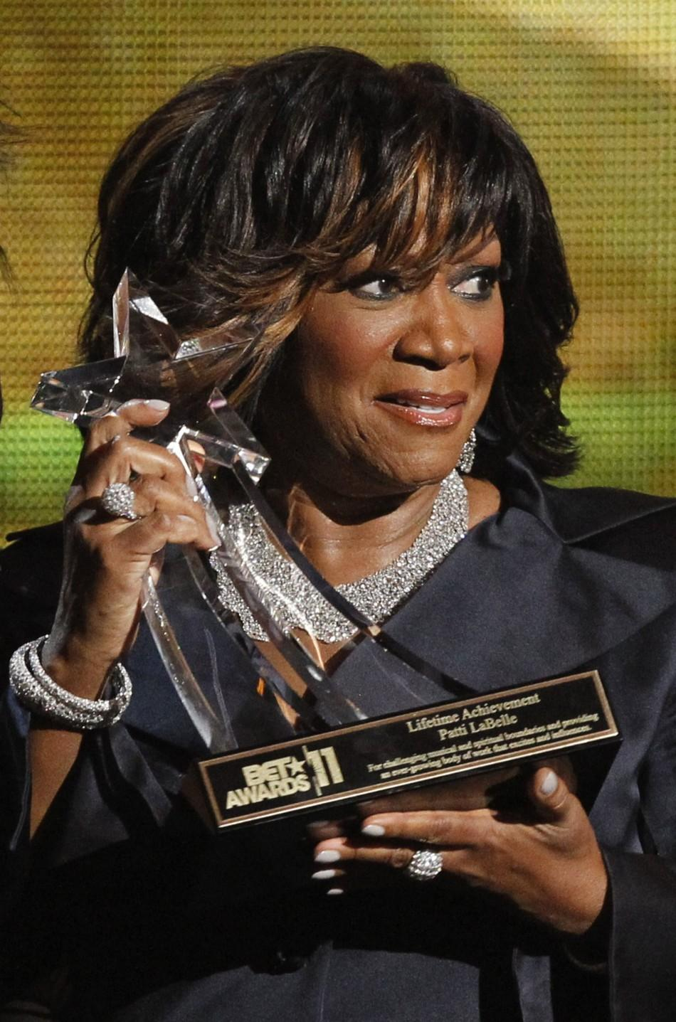Patti labelle on bet awards 2021 biggest bet on maywether mcgregor fight