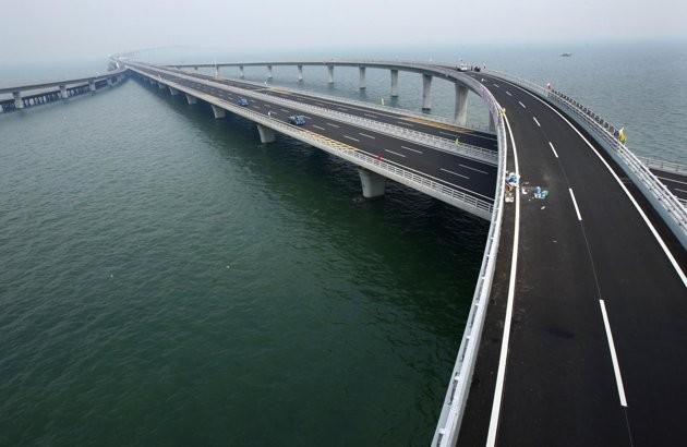 China opens world's longest cross-bridge in Shandong Peninsula
