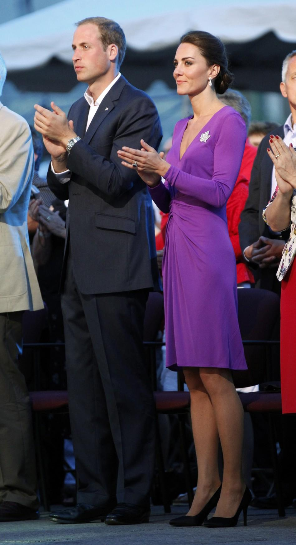 Kate Middleton turns chic in purple dress on Canada Day (PHOTOS) 6c38365d3