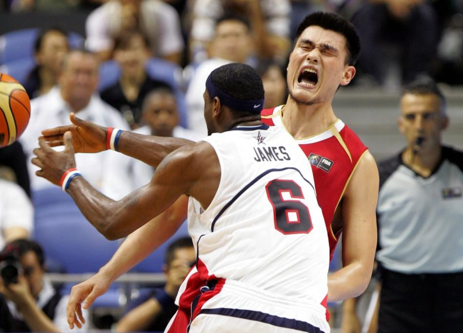 Yao Ming: Some of His Best Highlights From the NBA [PHOTOS]