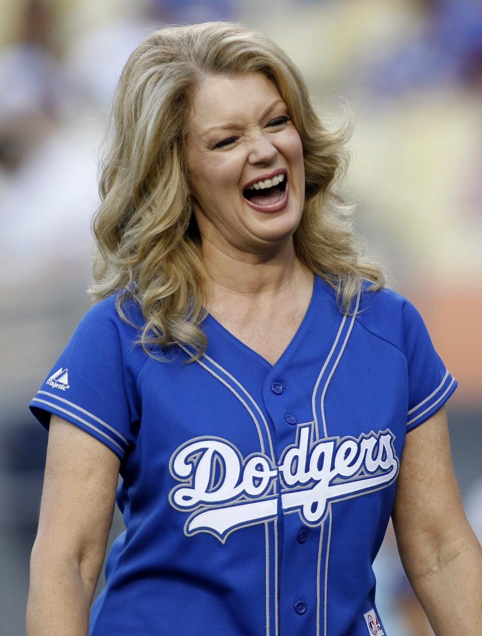 mary hart at the mlb baseball game between mets and dodgers