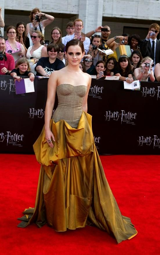 """Cast member Watson arrives for premiere of the film """"Harry Potter and the Deathly Hallows: Part 2"""" in New York"""