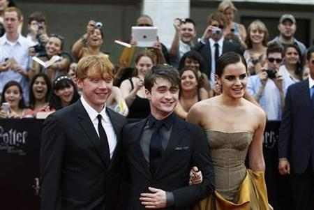 ''Harry Potter'' whips up early magic at box offices