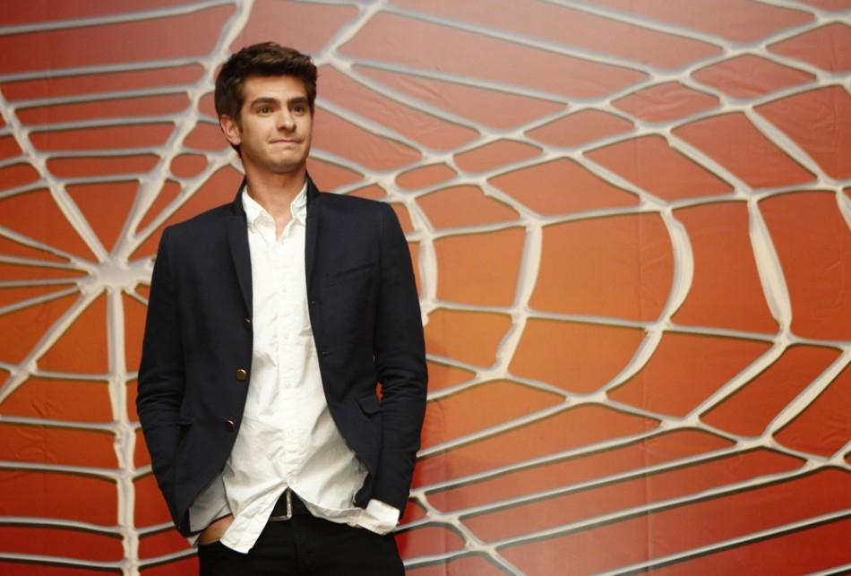 Andrew Garfield poses in Cancun