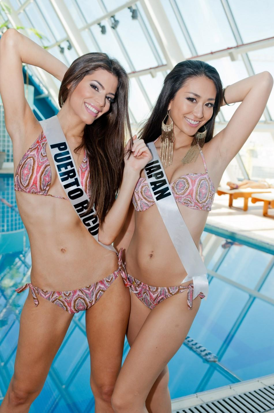 Miss Universe 2011 Contestants Flaunt their Curves in Sizzling Swimsuit