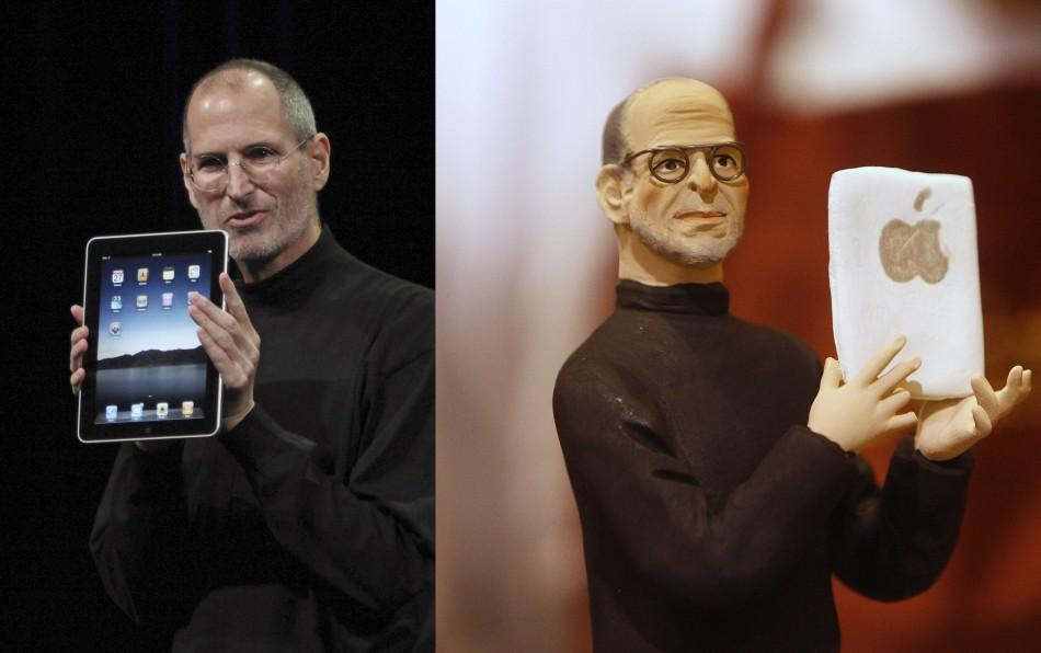 Steve Jobs Statuettes Created for Naples Nativity Manger