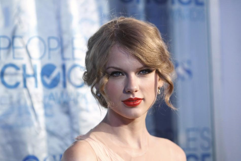 Taylor Swifts Nude Photo Leaked Online Celeb Jihad May Be Sued Photos-1932