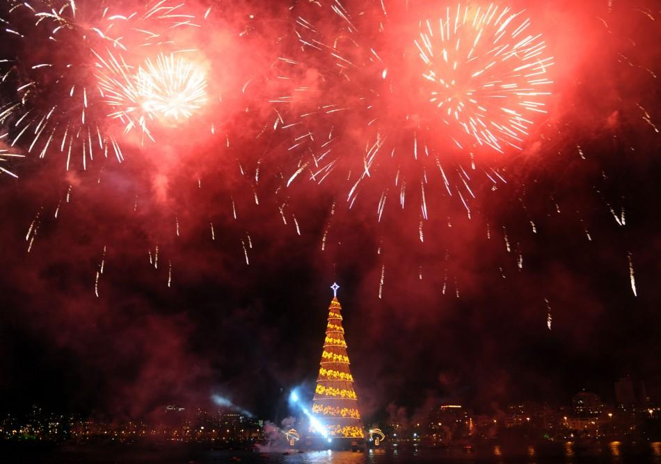 World's Largest Floating Christmas Tree Unveiled in Brazil