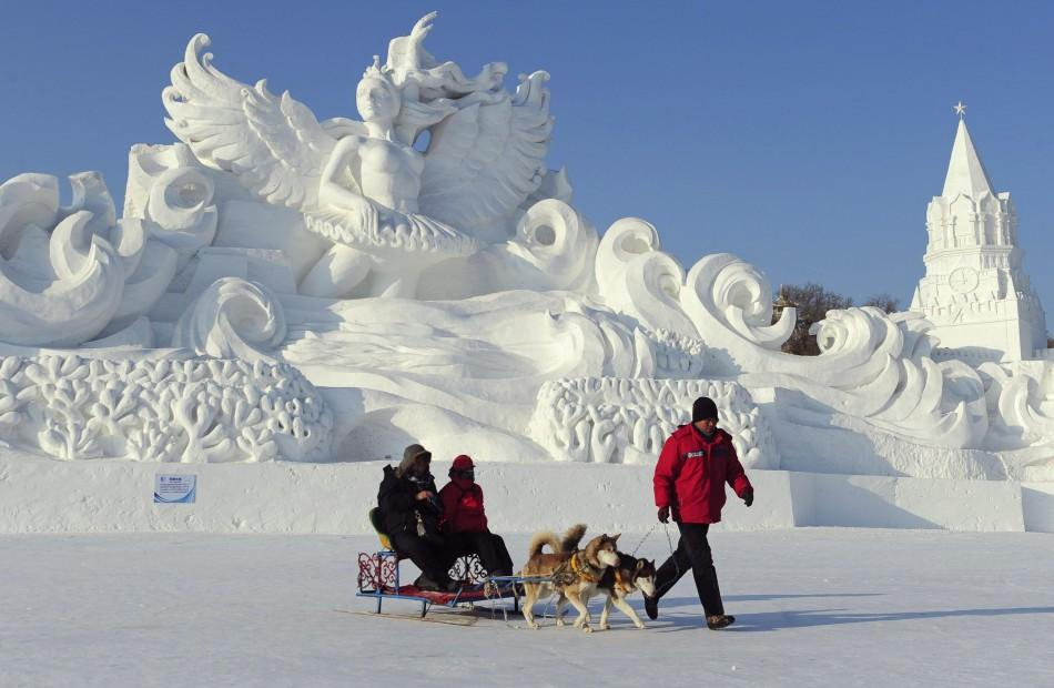 China Gears up for Harbin Ice and Snow World Festival