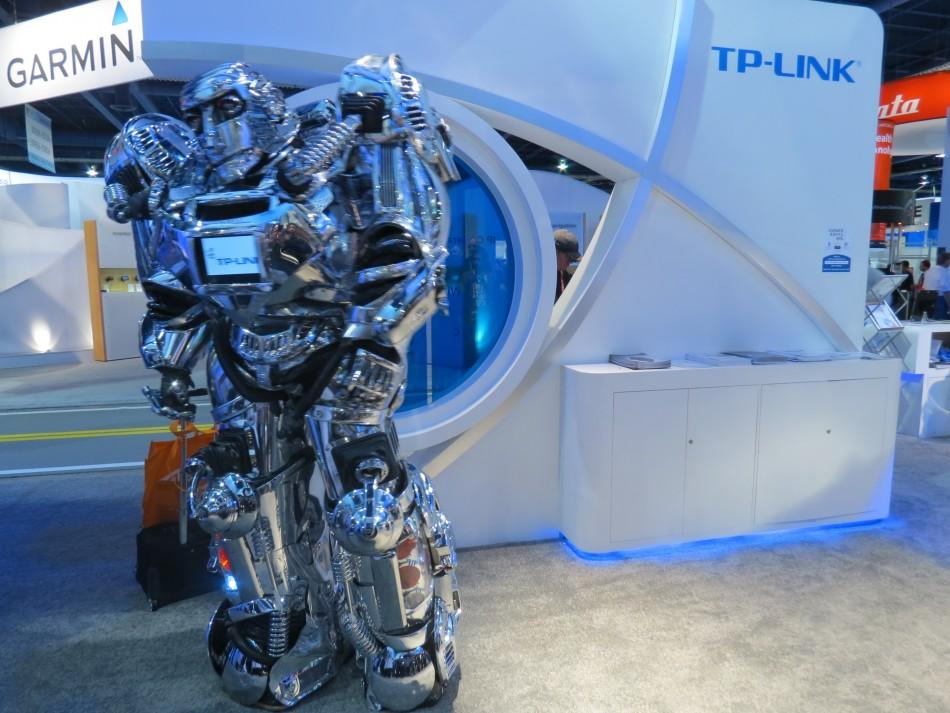 Robots at CES 2012: Hard Working, Funny and Dancing (PHOTOS)