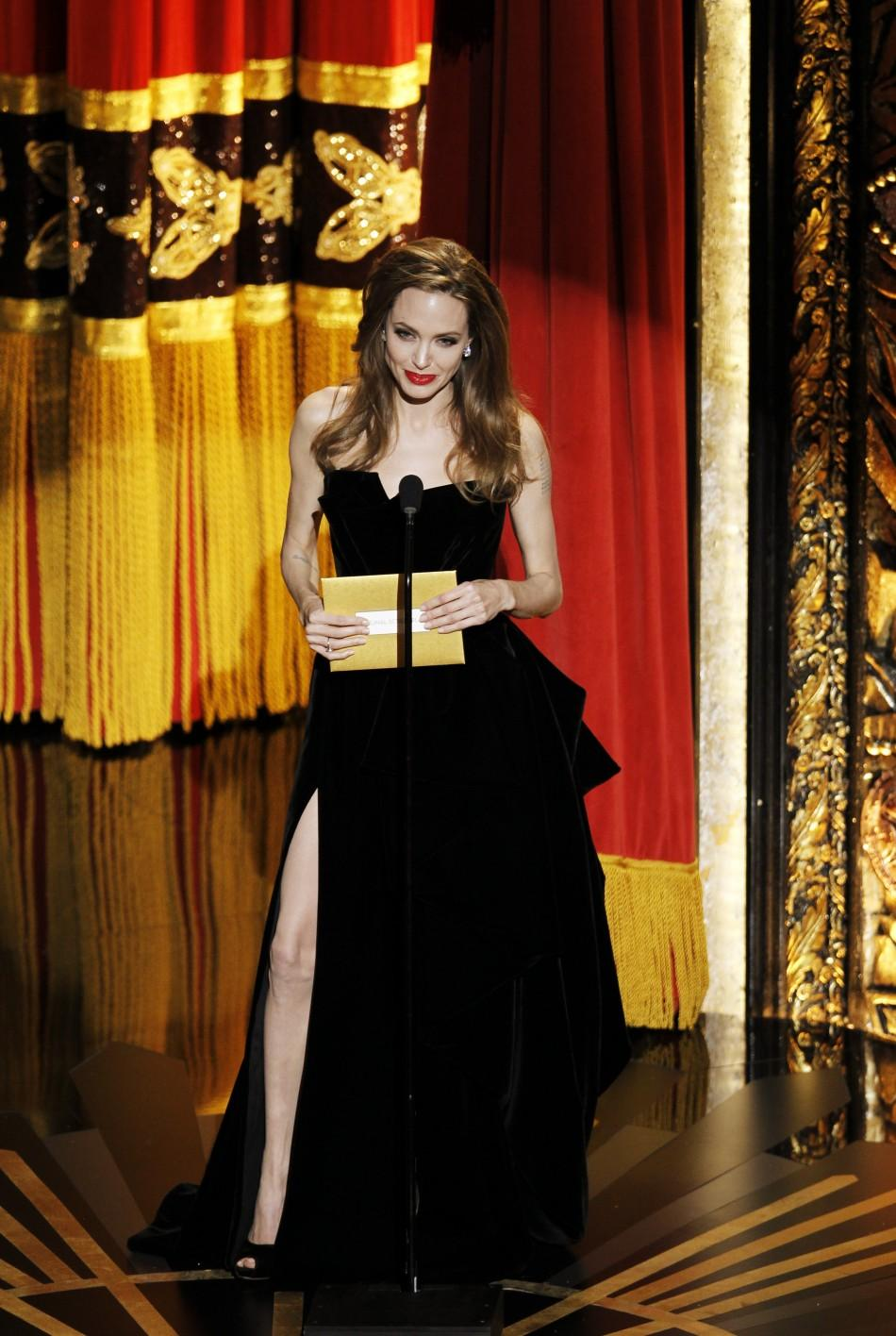 Angelina Jolie Leg An Internet Meme Sensation After