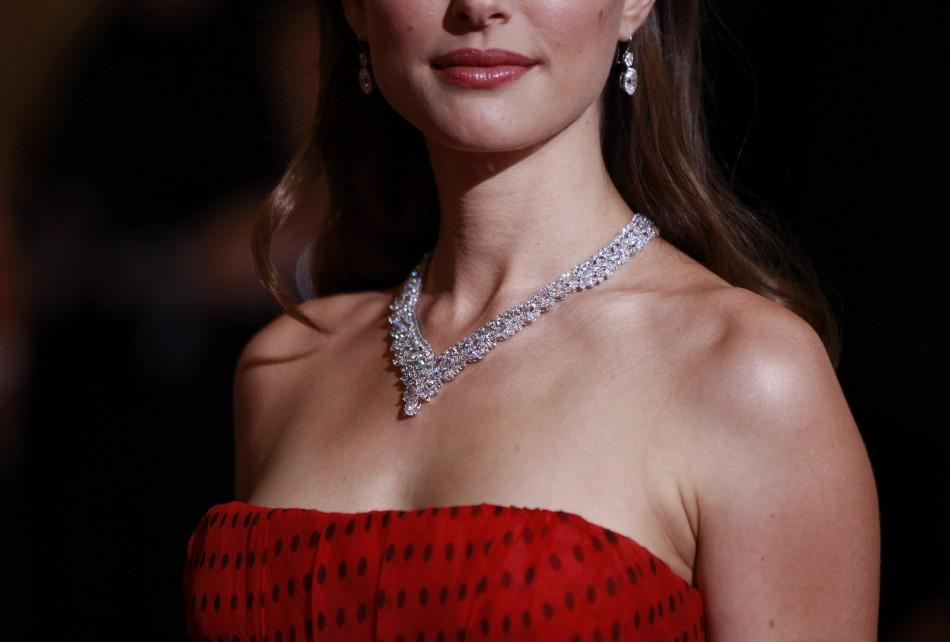 Oscars 2012 Red Carpet: Celebrity Jewelry and Accessories Details