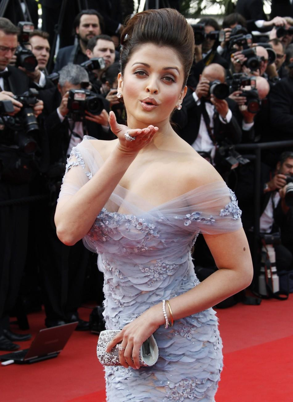"Actress Aishwarya Rai arrives for the screening of ""Robin Hood"" and for the opening ceremony of the 63rd Cannes Film Festival 2010"