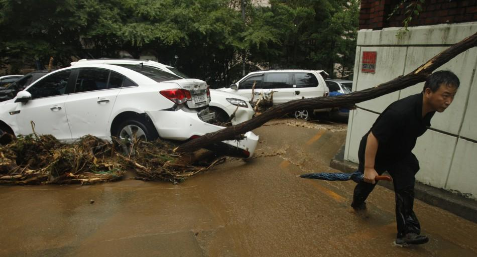 Torrential Rain Havoc in Seoul , South Korea (Pictures)