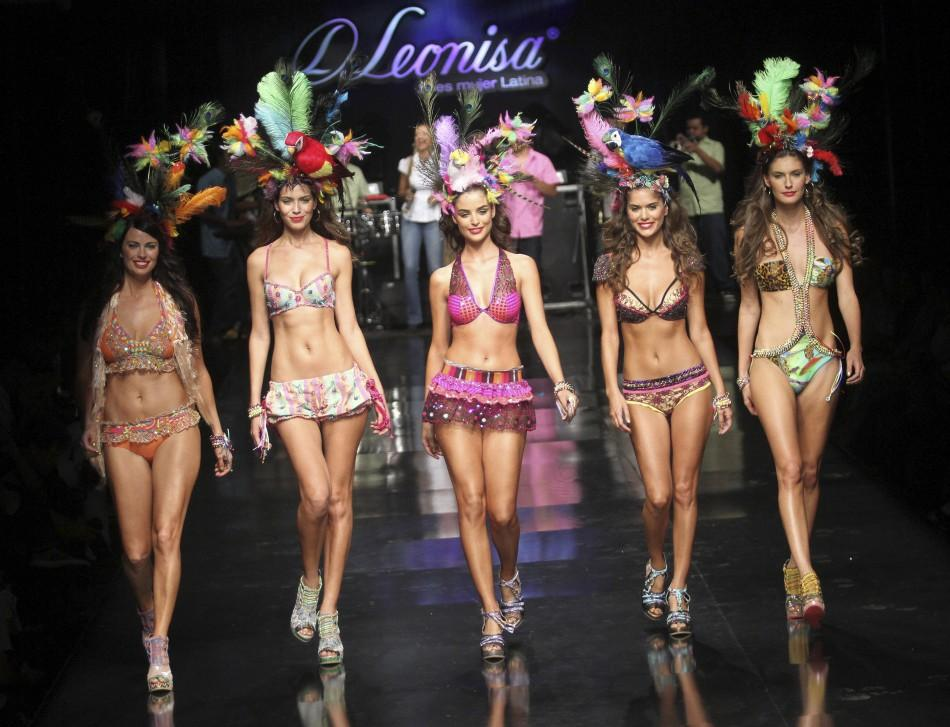 Sizzling Images of Models at Columbian Lingerie Fashion Show.
