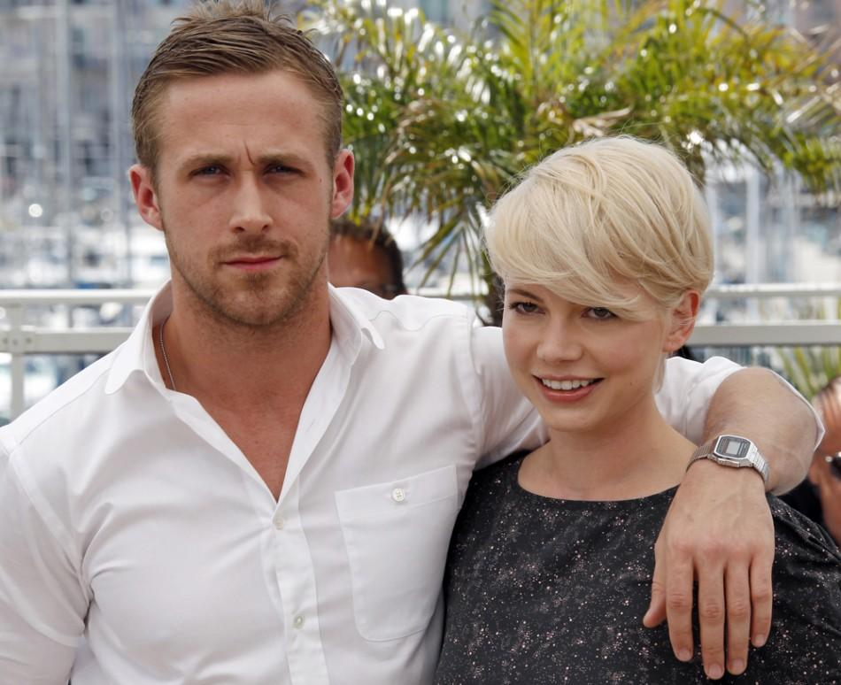 Michelle Williams (R) and Ryan Gosling