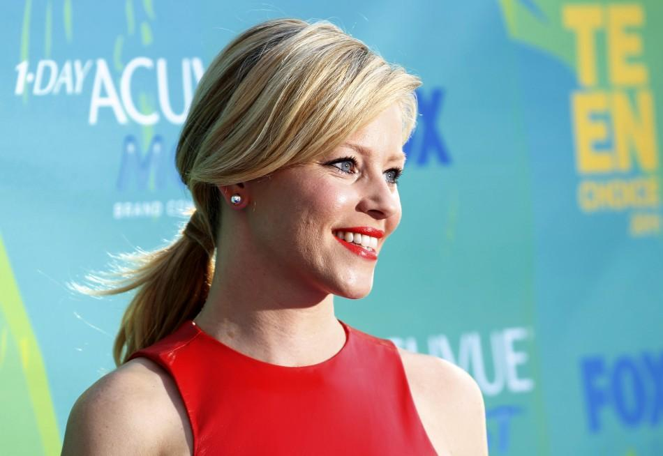 Actress Elizabeth Banks arrives at the Teen Choice Awards in Los Angeles